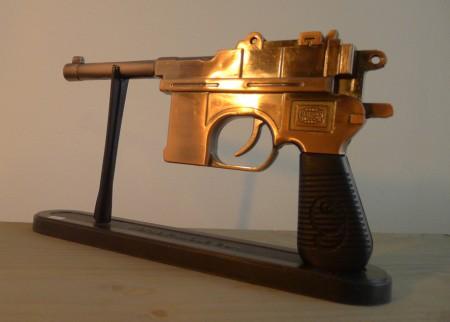 Pistole close up