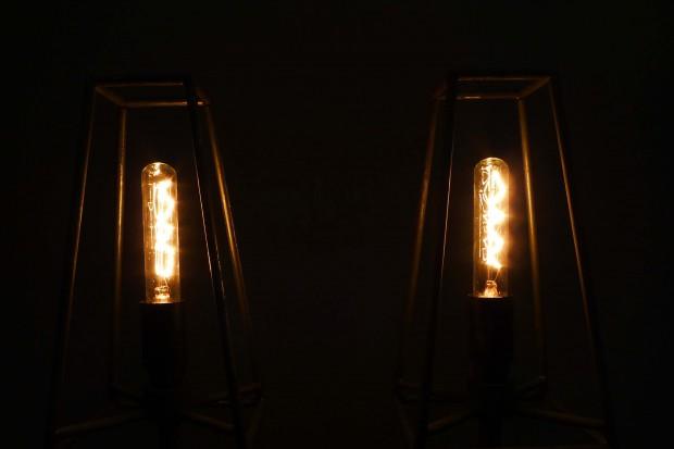 uva-isolatorenlampe-03