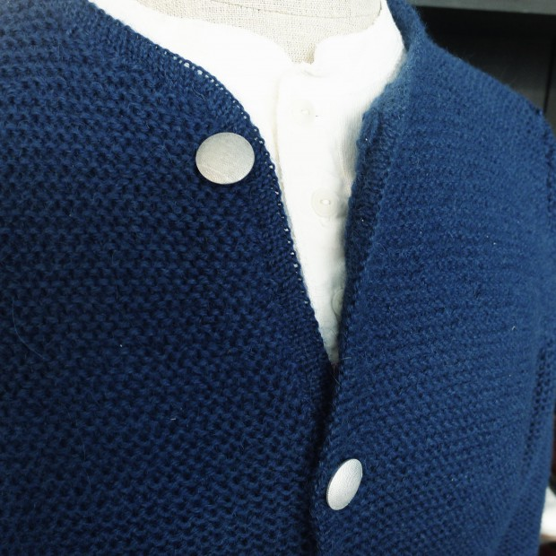 interbrigade-strickjacke-blau-02