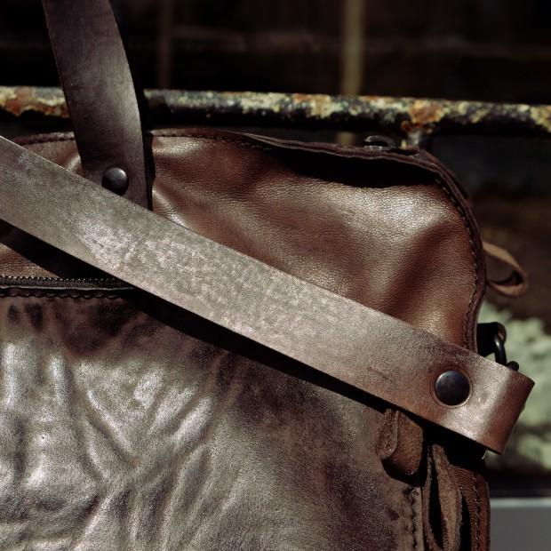 shoto-tasche-nackenleder-detail