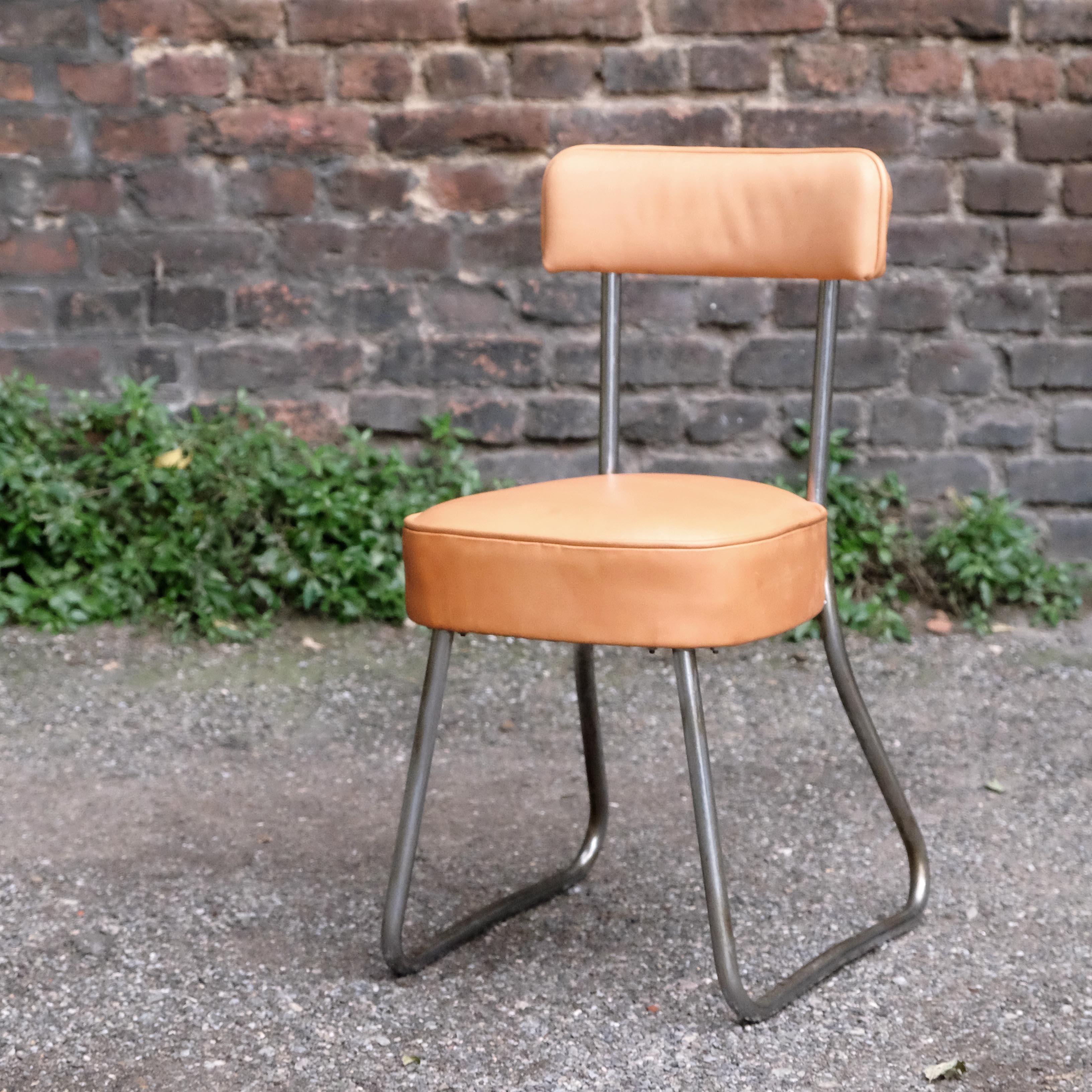 stuhl-vintage-polster-bezogen-uwevanafferden
