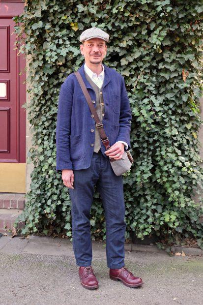 dave-outfit-gutgekleidet-blau-worker