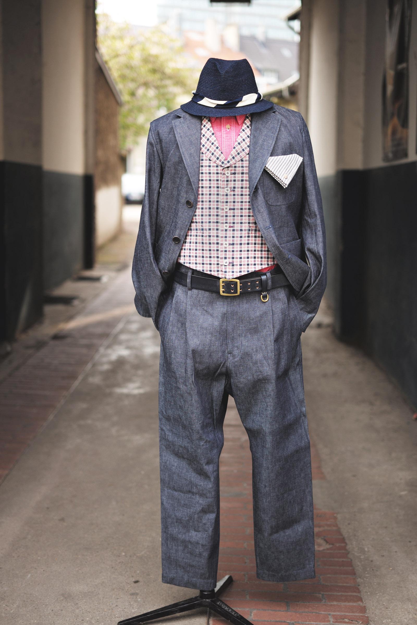 outfit-sofiedhoore-denimsuit-anzug-jeans-interbrigade-weste-kariert-timeless-gürtel-japanblue-hut-01
