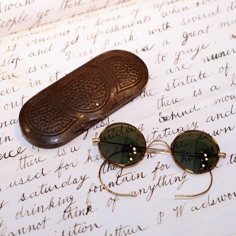 vintage-sonnenbrille-30er-jahre-glueckspilz