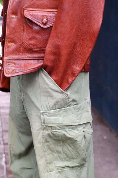 outfit-thedileathers-jacke-m51-vintage-ca4la-beret-blacksign-henley-detail-hose