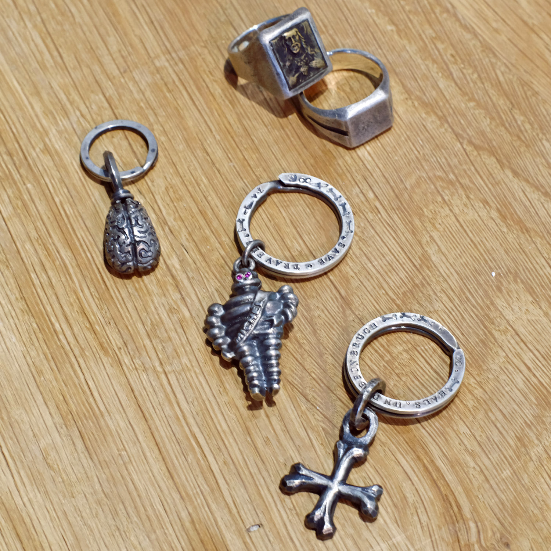 schmuck-reinmetall-877workshop-silber-schluesselanhaenger-accessoires