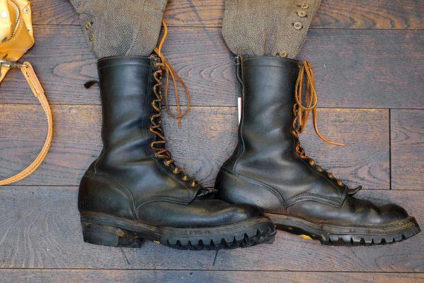 outfit-vintage-breeches-wesco-stiefel-portugueseflannel-hemd-schwarz-theheritagepost-moveroma-buttsandshoulders-blacksign-detailboots