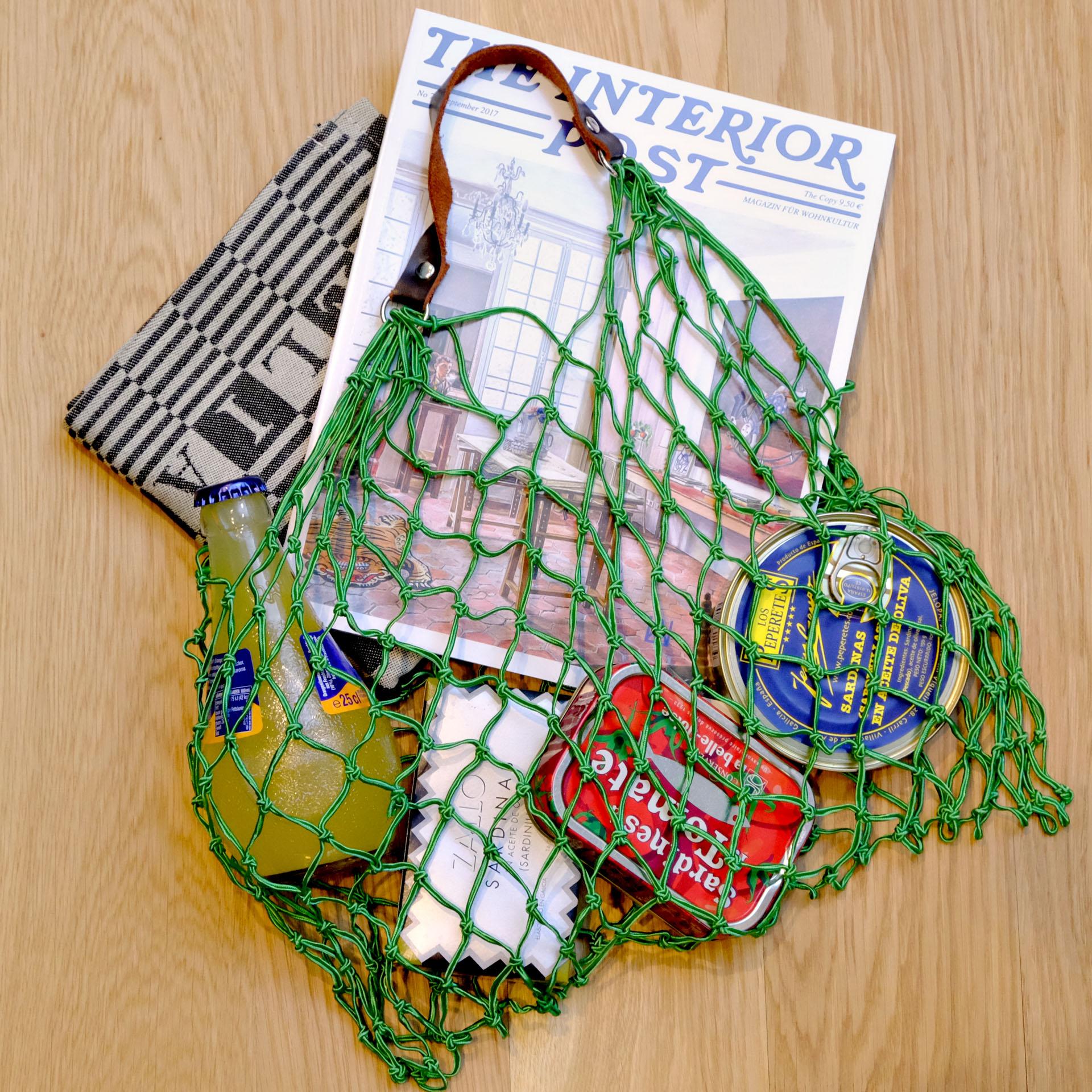 moodbild-cedon-tragenetz-orangina-sardinen-oelsardinen-elias-kuechentuch-interiorpost