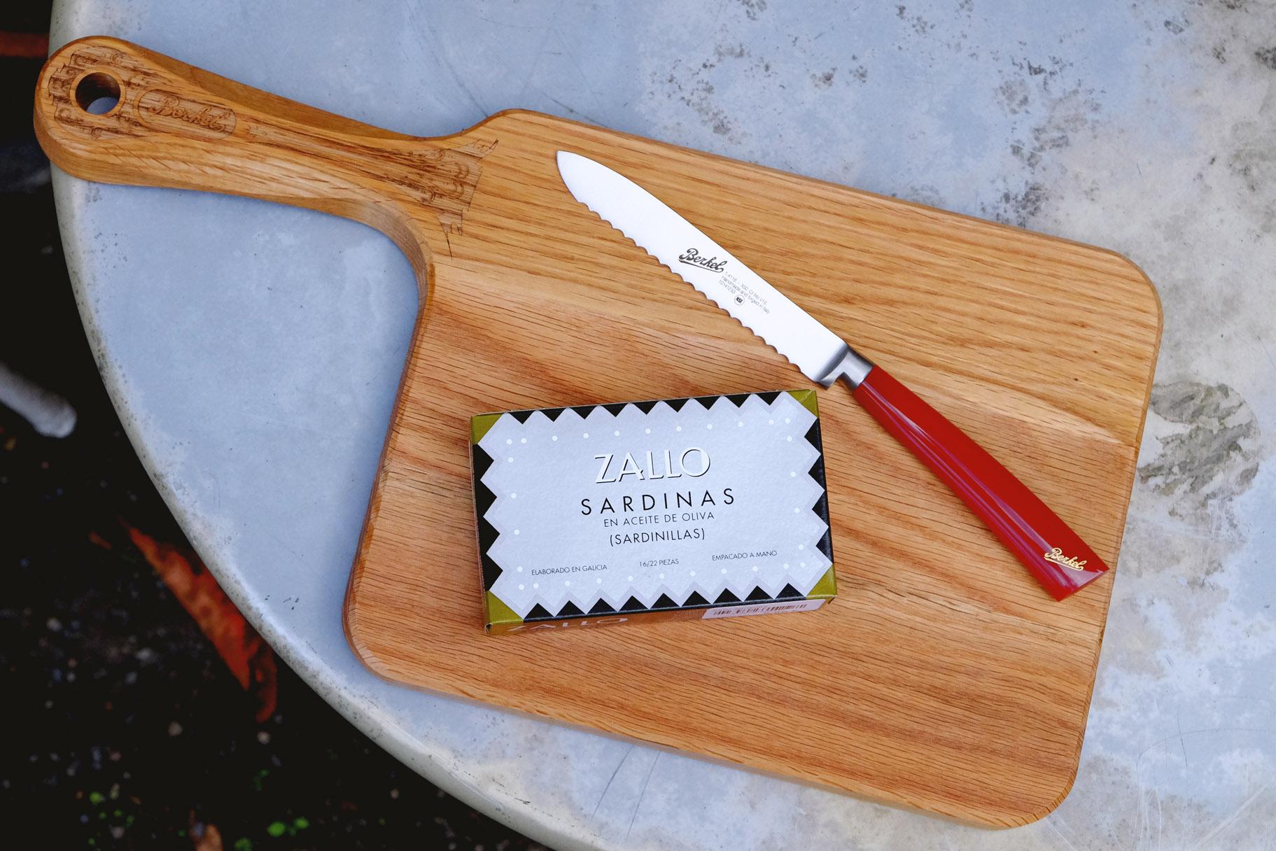 berkel-schneidebrett-holz-intarsien-messer-brotmesser-zallo-sardinen-oelsardinen