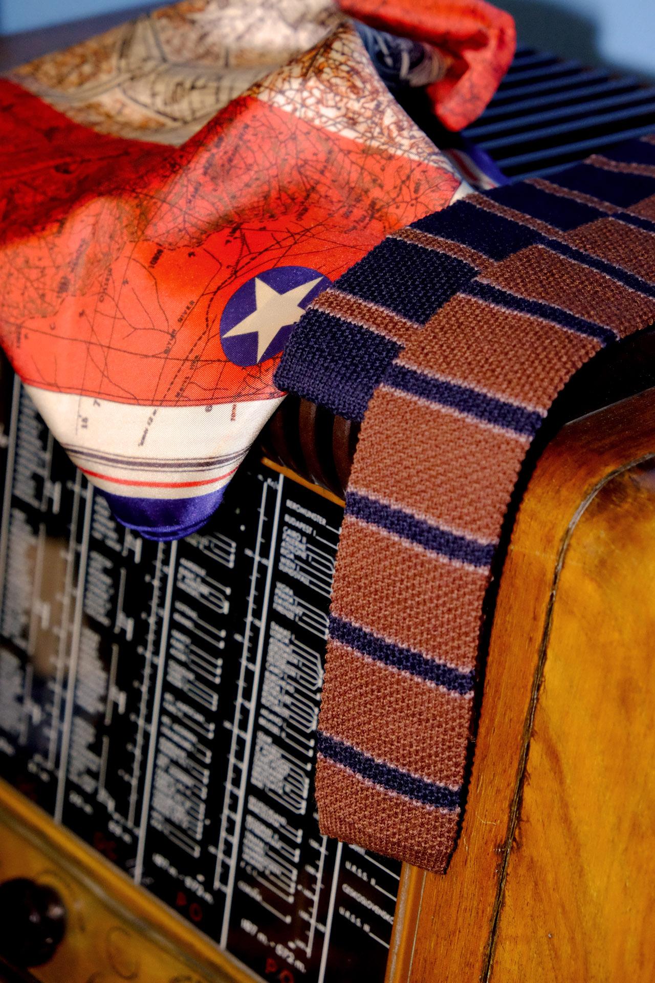 vintage-style-krawatte-apieceofchic-seidentuch-schal-motiv