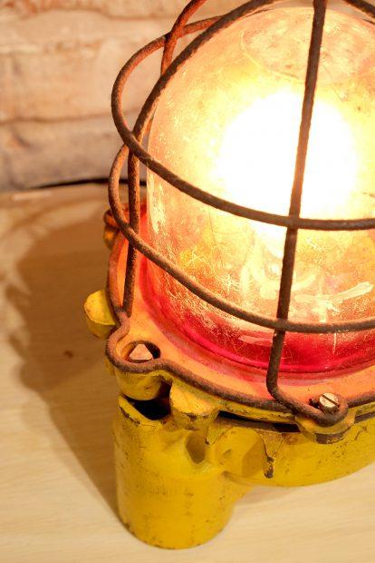 vintage-lampe-fabrik-dekoration-wohnideen-uwevanafferden-industriedesign
