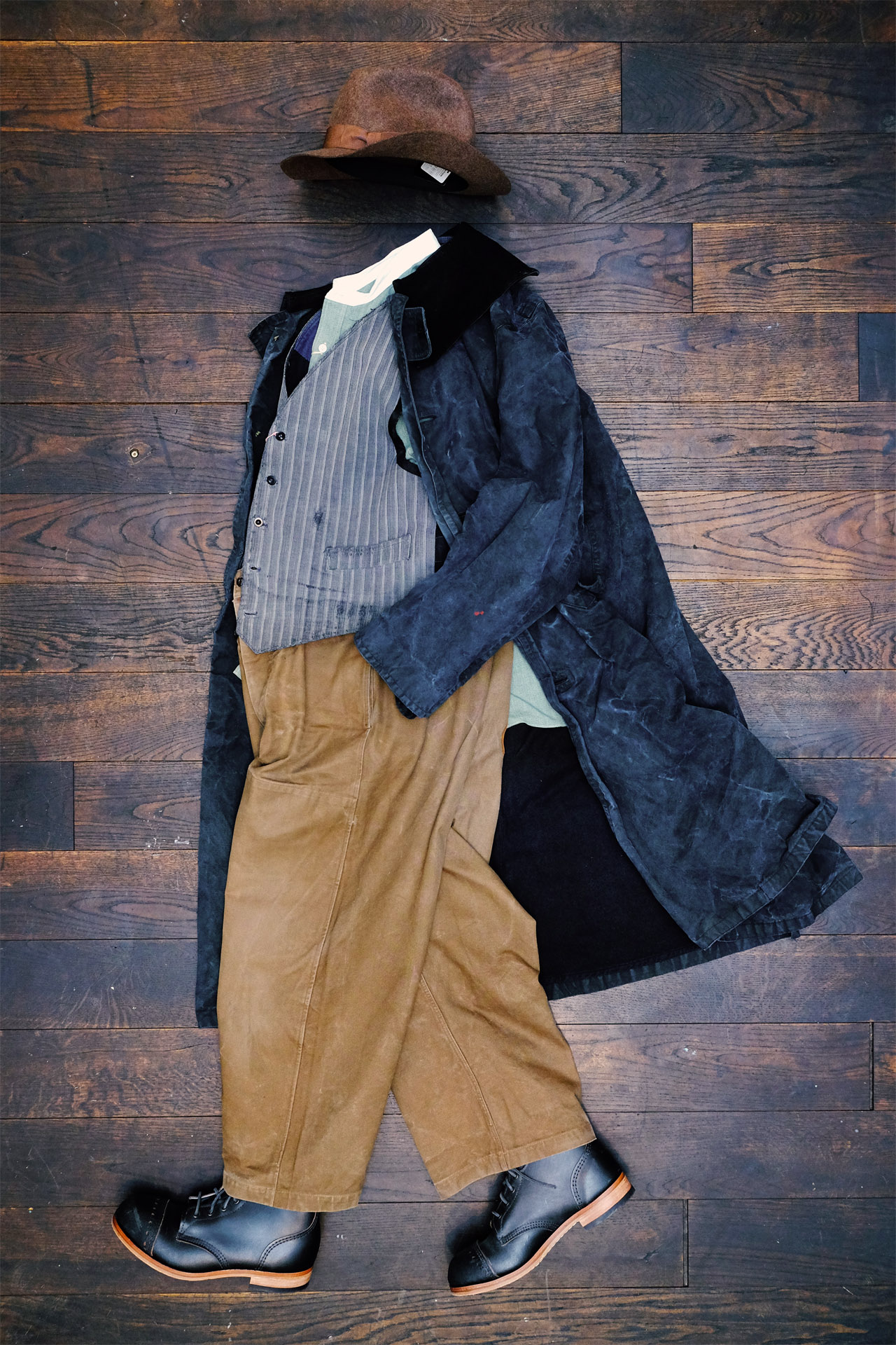 vintage-outfit-komplett-hose-mantel-weste-interbrigade-derbyboots-salvatorepiccolo-hut